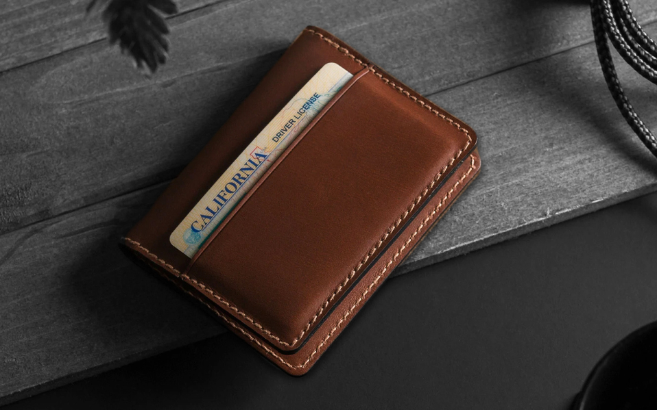 How to choose the perfect wallet for men?